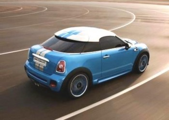 Mini Performance Coupe - circling