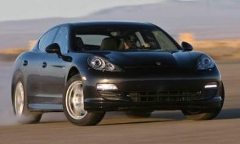 2010 Porsche Panamera at speed, Courtesy of http://latestcarblog.blogspot.com/