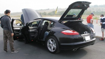 Plenty of room under/inside the rear hatch of the 2010 Porsche Panamera