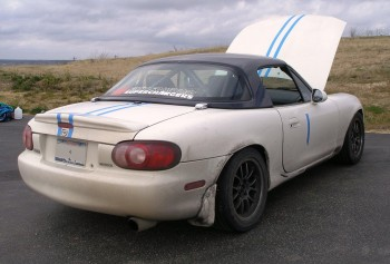1999 Racing Mazda Miata with 2001 taillights...