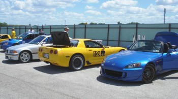 Eric's Sunshine 'Vette next to Chris' blue STR class S2000