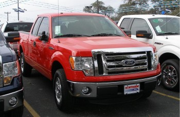 2011 Ford F-150 XLT model with 5.0L Ti-VCT 4-Valve V8 FFV engine - actual baseline test drive pickup truck