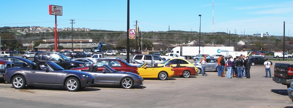 Getting organized for the Tejas Miatas run - 25-FEB-2012