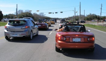 The Tejas Miatas run group, dominating the road to Jester King Brewery - 25-FEB-2012