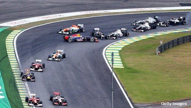 First turn misdirection by Vettel on 1st lap of 2012 F1 Brazil GP!